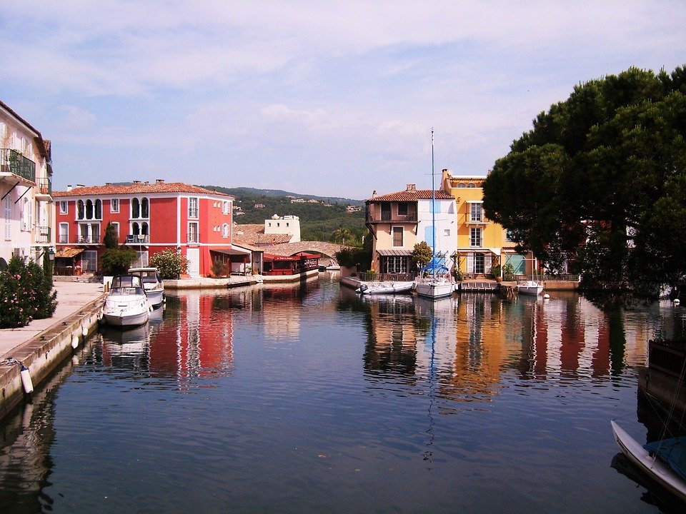 guide-summer-in-saint-tropez-with-kids-activity-Le-Collectionist-port-grimaud