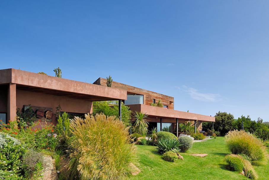 travel-spring-among-family-villa-to-rent-Corsica-Villa-Laela-le-collectionist