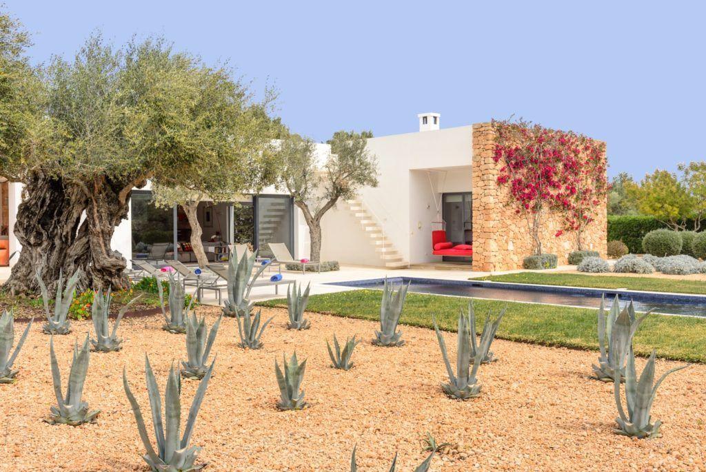 vacation-rental-luxury-villa-le-collectionist-ibiza-11